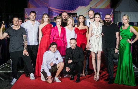 «Кинотавр-2019»: Шалаева, Толстоганова, Аксенова и другие на премьере фильма «Гроза»